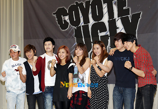 "Cast of the Korean version of "" Coyote Ugly"" the musical"