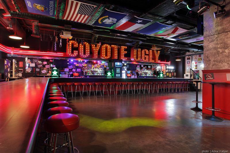 Coyote Ugly Saloon - Ugly Pix - bar 05